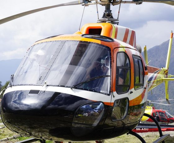 helikopterem_do_bazy_pod_everestem_10_20151017_1908294343-560x460 EVEREST baza helikopterem w 6 godzin!