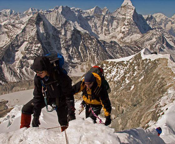 island_peak_-_unforgettable_adventure_7_20090629_1779511439-560x460 Sześciotysięcznik (ISLAND PEAK 6189 m) + baza pod Everestem